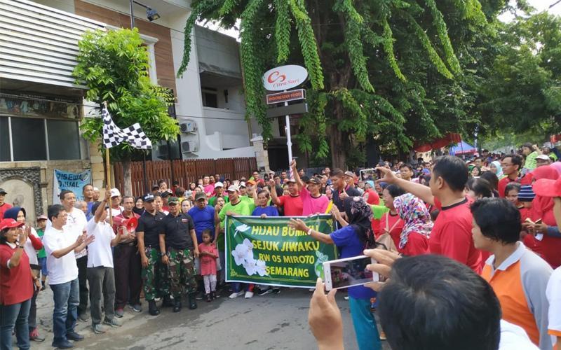 Screening Kesehatan Bagi Peserta Kegiatan Warga Guyub Suara Merdeka Di Kelurahan Miroto Kota Semarang